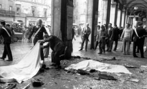 1974 | Immagine della strage di piazza della Loggia a Brescia